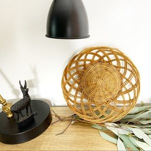 Other - Vintage Woven Brown Wicker Basket Scalloped Edge